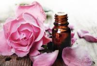 精油使用方法:玫瑰精油7大护肤功效